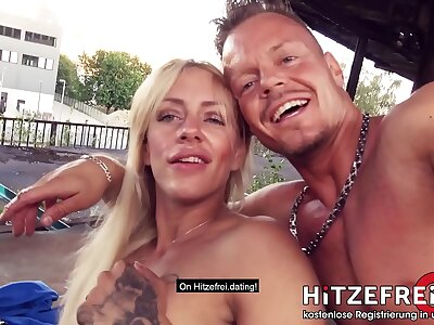 PUBLIC SCENE! Senseless tattooed ◆FitXXXSandy◆ fucked nearby pierced cunt! HITZEFREI.dating