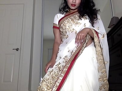 Desi Dhabi in Saree object Naked increased by Plays with Flimsy Pussy