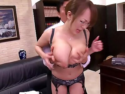 Asian with huge Bristols - freexcam.net