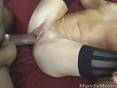 Petite Comme �a Wife Taking Broad in the beam Black Cock Creampie